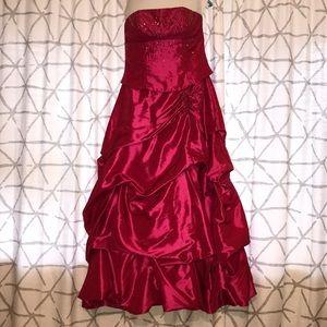 Dresses & Skirts - Fuchsia Floor Length Prom Gown